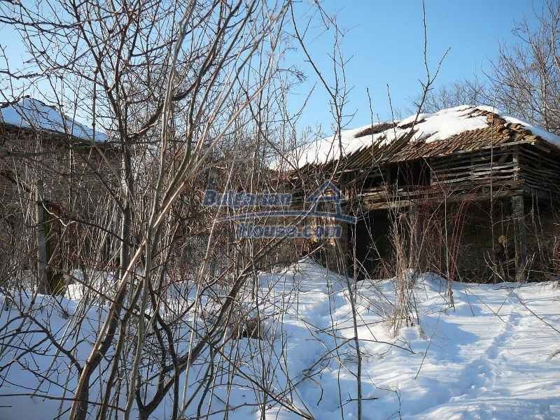 12300:27 - Cheap property for sale with lovely views near Popovo & Ruse