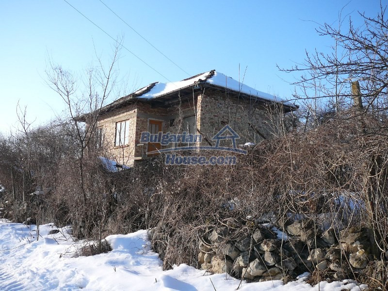 12300:24 - Cheap property for sale with lovely views near Popovo & Ruse
