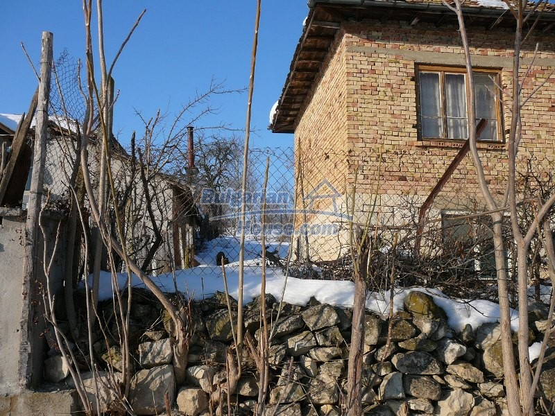 12300:25 - Cheap property for sale with lovely views near Popovo & Ruse