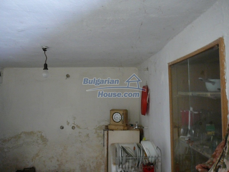 12300:32 - Cheap property for sale with lovely views near Popovo & Ruse