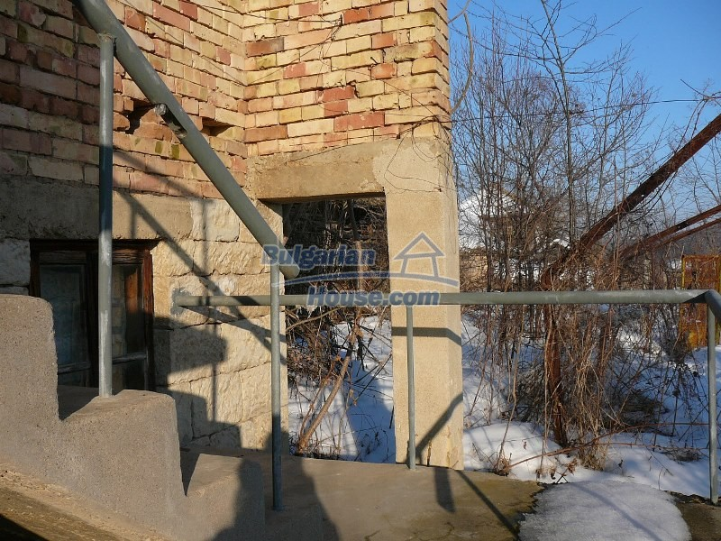 12300:51 - Cheap property for sale with lovely views near Popovo & Ruse