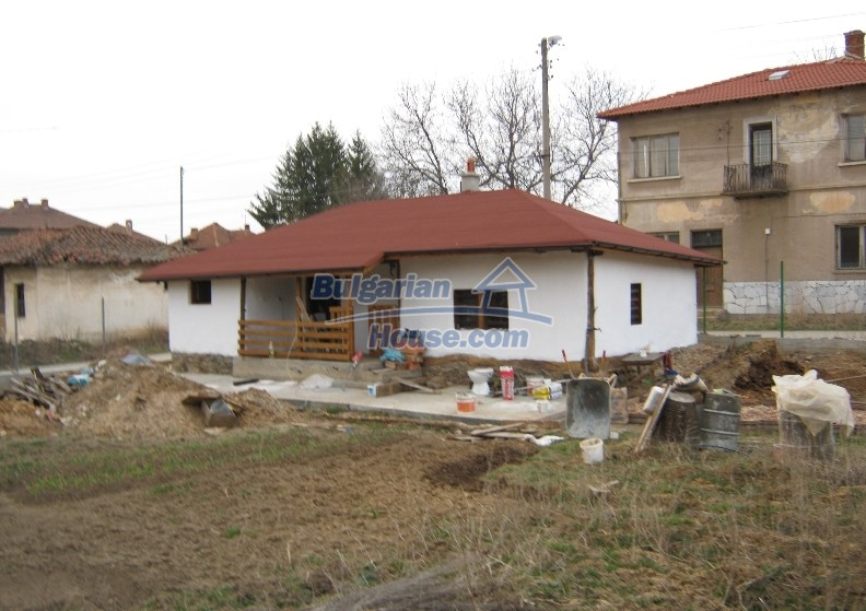 12032:1 - Nice authentic house near Sofia at advantageous price