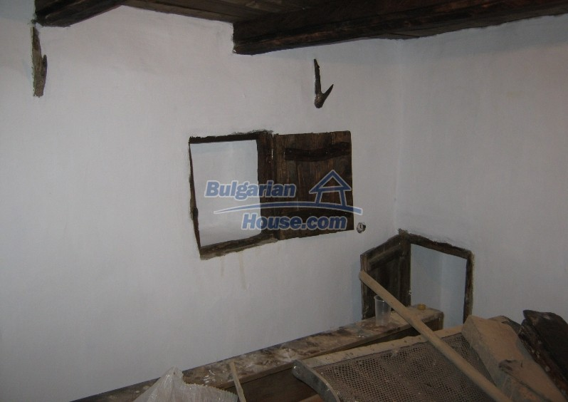 12032:7 - Nice authentic house near Sofia at advantageous price
