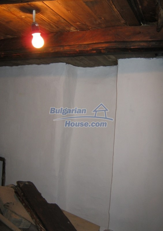 12032:8 - Nice authentic house near Sofia at advantageous price