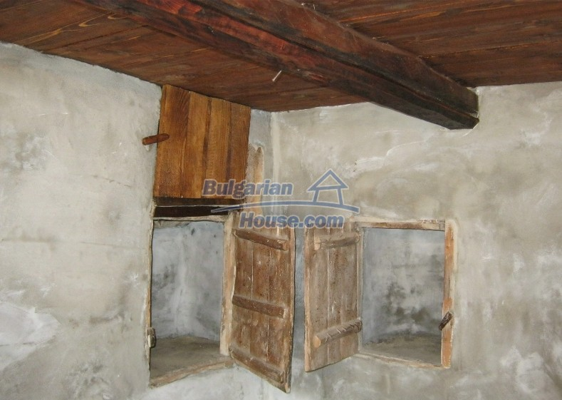 12032:16 - Nice authentic house near Sofia at advantageous price