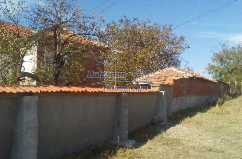 11125:6 - Very well maintained house with a huge garden near Elhovo