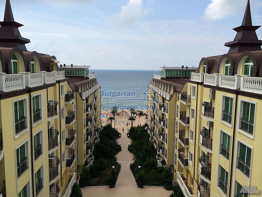 12746:2 - LuXURY studio apartment in Elenite, Sveti Vlas -FIRST LINE BEACH