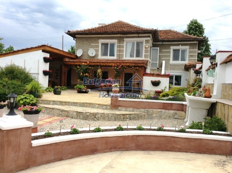 12610:1 - Fully furnished and renovated house 70km to the coast and Varna