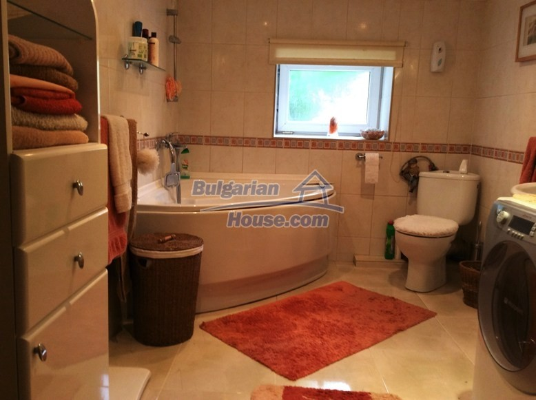 12610:27 - Fully furnished and renovated house 70km to the coast and Varna
