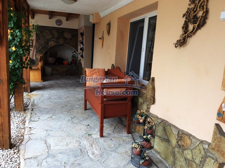 12610:20 - Fully furnished and renovated house 70km to the coast and Varna