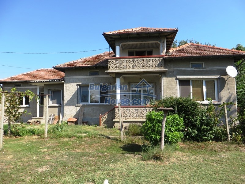 12586:3 - Lovelly Bulgarian house 24km from Veliko Tarnovo 3500sq.m.garden
