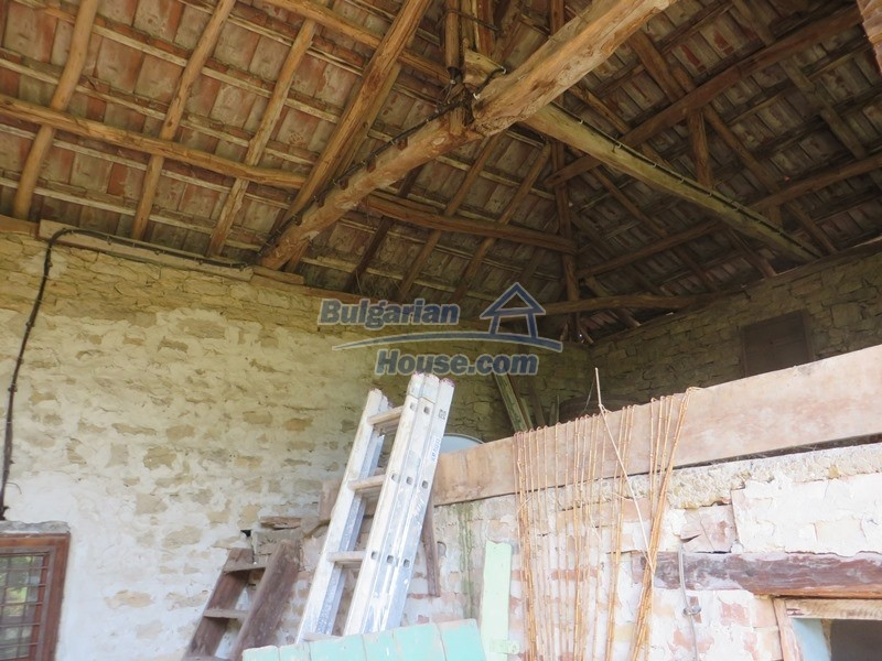 12586:11 - Lovelly Bulgarian house 24km from Veliko Tarnovo 3500sq.m.garden