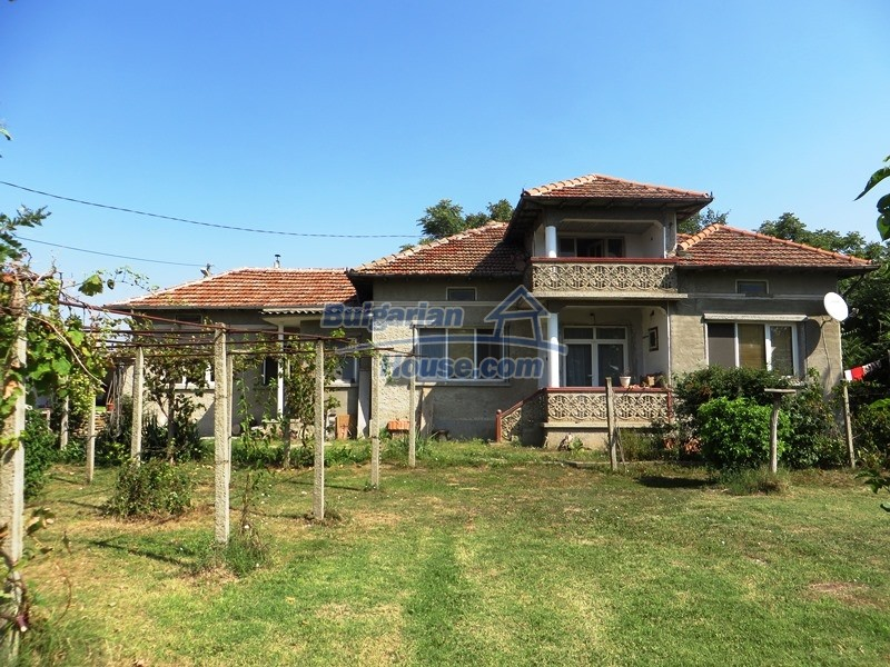 12586:15 - Lovelly Bulgarian house 24km from Veliko Tarnovo 3500sq.m.garden