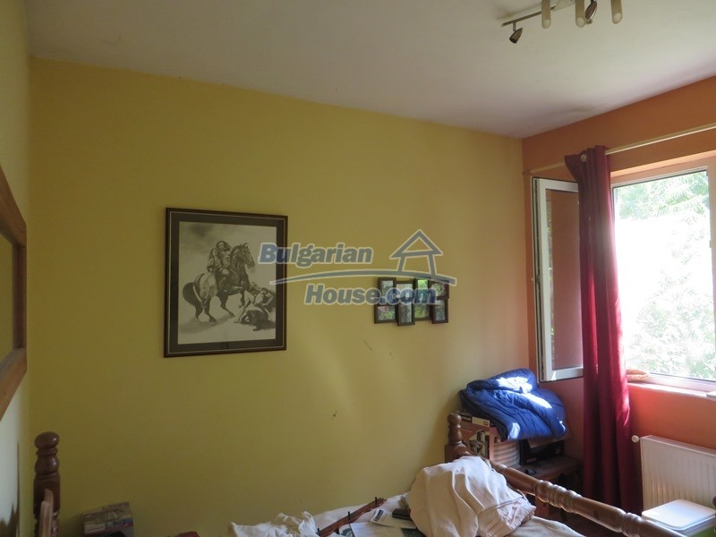 12586:26 - Lovelly Bulgarian house 24km from Veliko Tarnovo 3500sq.m.garden
