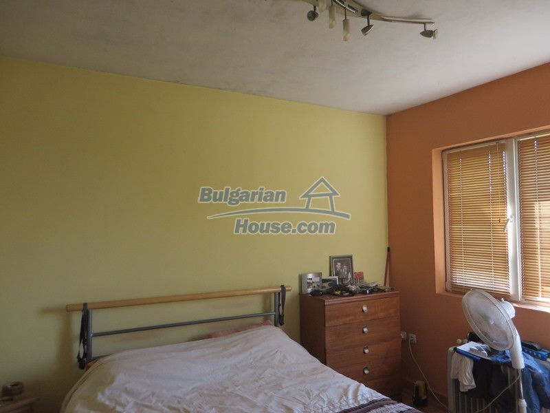 12586:28 - Lovelly Bulgarian house 24km from Veliko Tarnovo 3500sq.m.garden