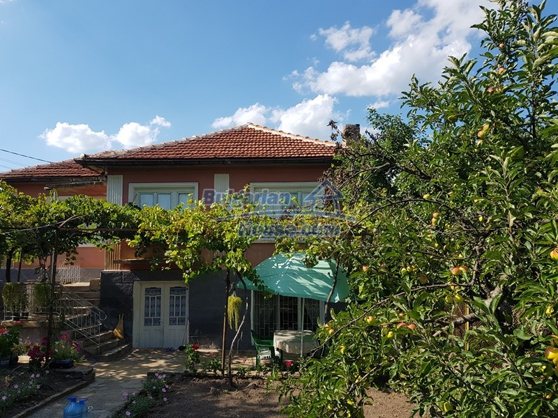 12777:11 - Village home for sale in Stara Zagora region with big garden