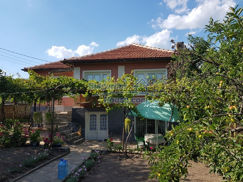 12777:9 - Village home for sale in Stara Zagora region with big garden