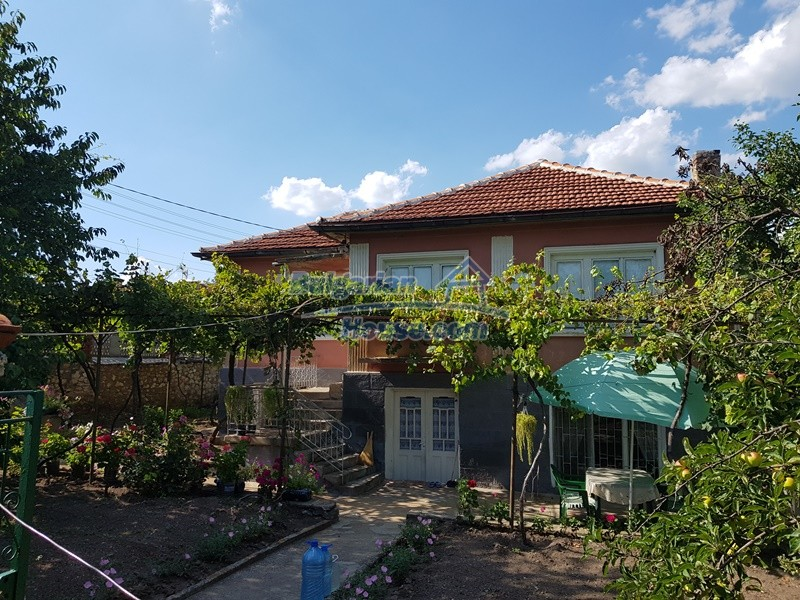 12777:10 - Village home for sale in Stara Zagora region with big garden