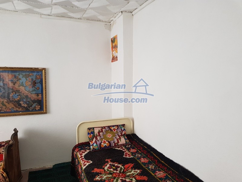 12777:31 - Village home for sale in Stara Zagora region with big garden
