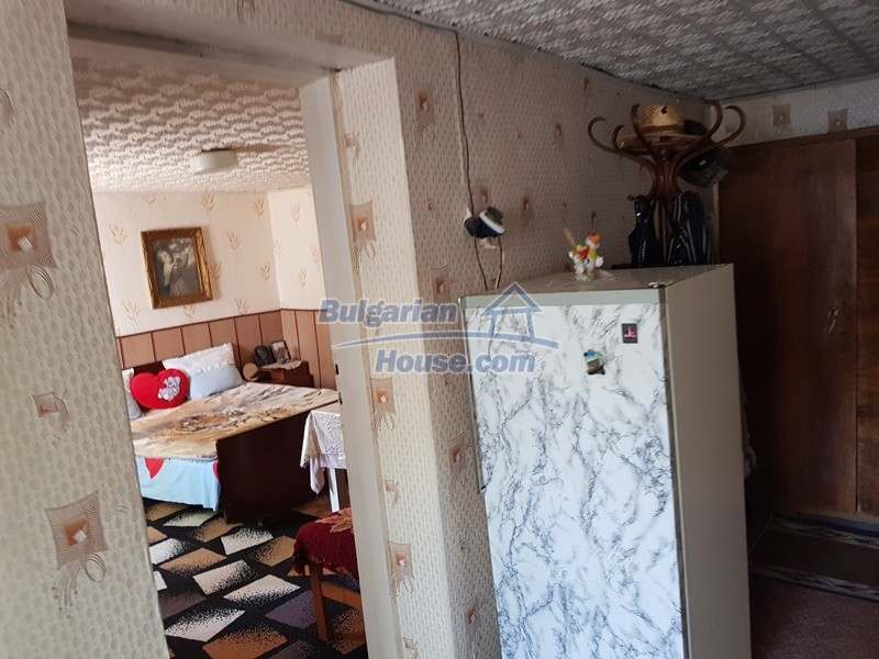 12777:20 - Village home for sale in Stara Zagora region with big garden