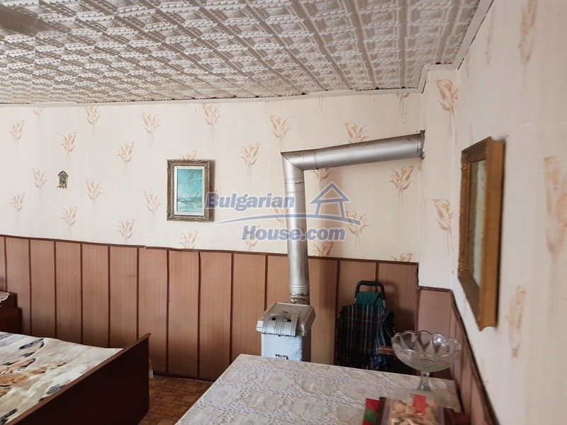 12777:22 - Village home for sale in Stara Zagora region with big garden