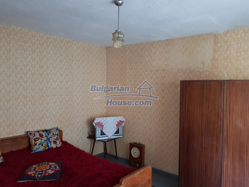 12777:42 - Village home for sale in Stara Zagora region with big garden