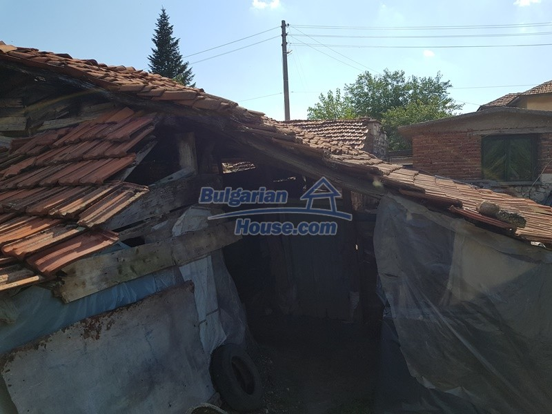 12777:53 - Village home for sale in Stara Zagora region with big garden
