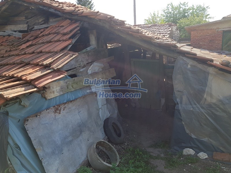 12777:54 - Village home for sale in Stara Zagora region with big garden