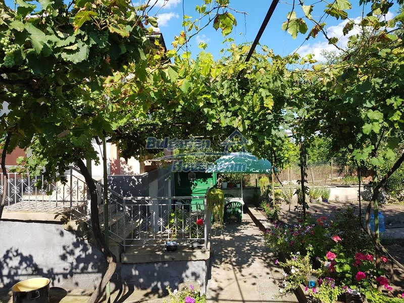 12777:51 - Village home for sale in Stara Zagora region with big garden