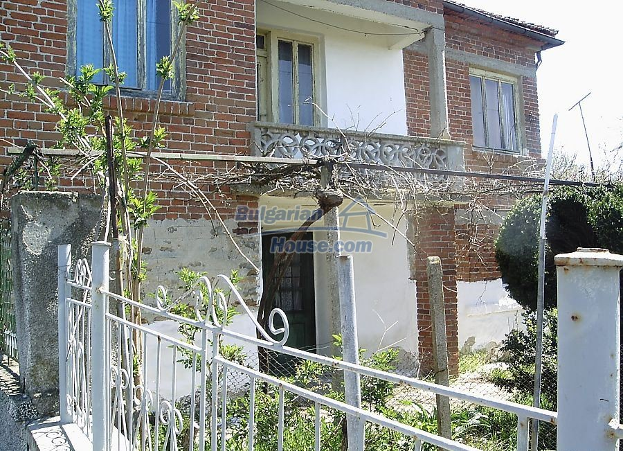 11122:1 - Solid cheap rural house in very good condition, Yambol region