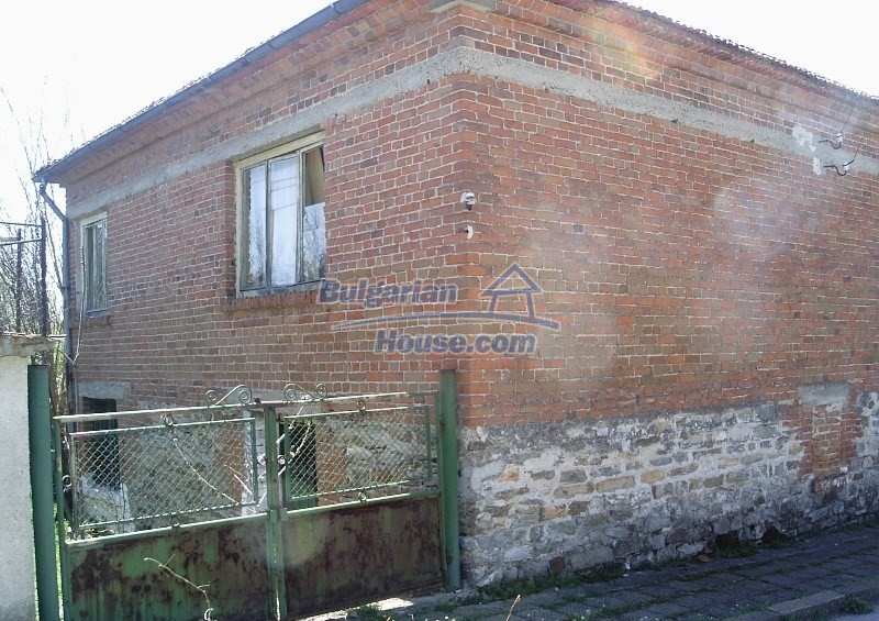 11122:11 - Solid cheap rural house in very good condition, Yambol region