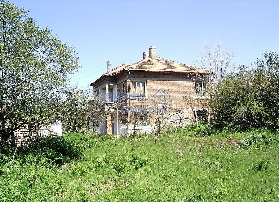 11122:3 - Solid cheap rural house in very good condition, Yambol region