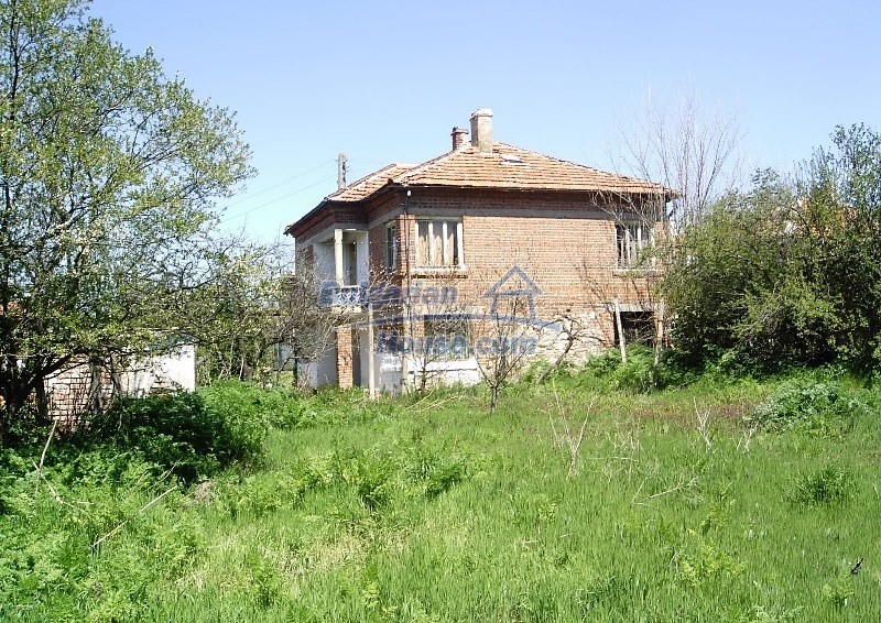 11122:16 - Solid cheap rural house in very good condition, Yambol region