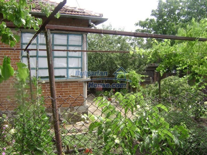 11964:1 - Cozy Bulgarian property at low price just 28km from Burgas