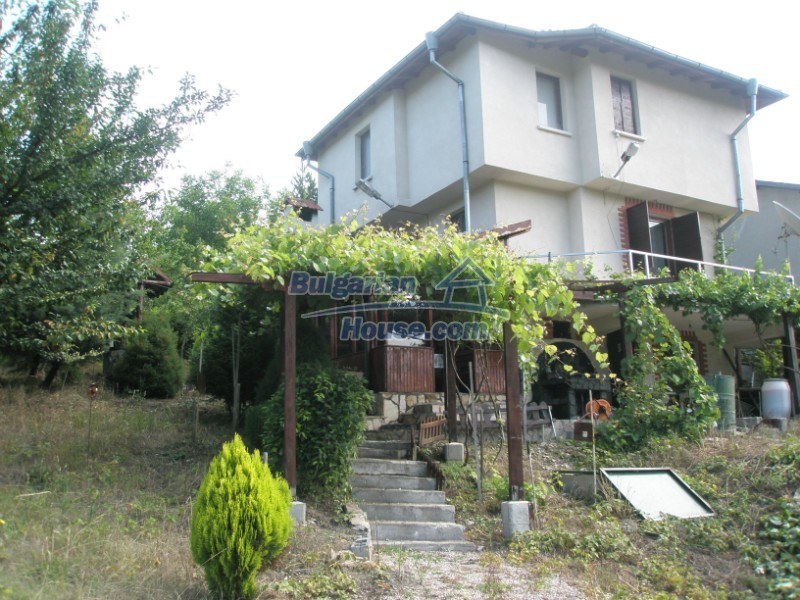 11627:1 - Cozy Bulgarian property with mountain views 50km from Sofia