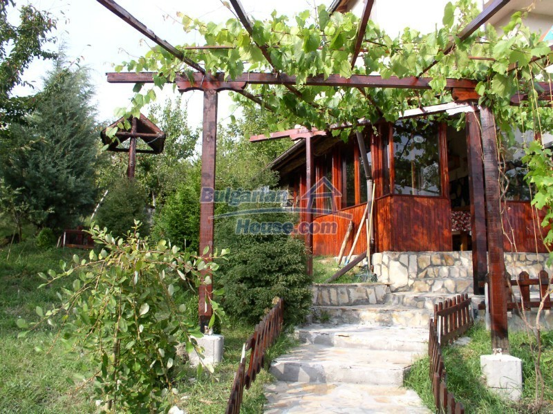 11627:11 - Cozy Bulgarian property with mountain views 50km from Sofia