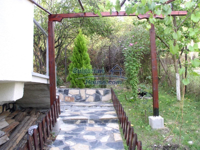 11627:9 - Cozy Bulgarian property with mountain views 50km from Sofia
