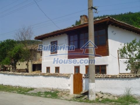 12047:1 - Charming authentic house in Targovishte region