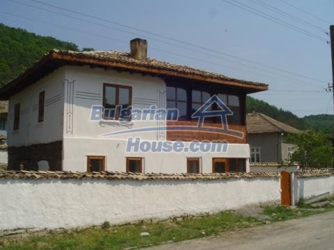 12047:10 - Charming authentic house in Targovishte region
