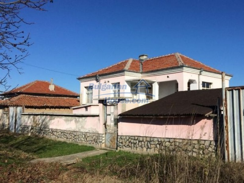 12725:1 - Attractive property fro sale in Bulgaria 25km from Plovdiv city