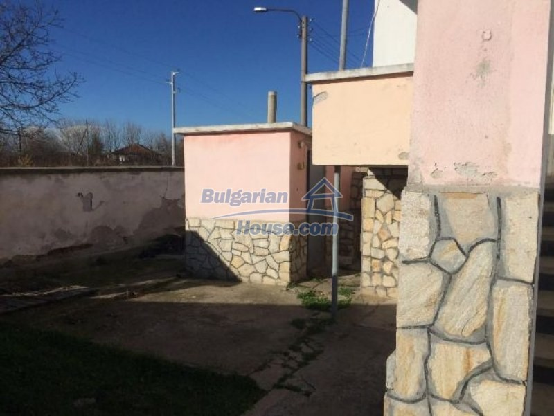 12725:9 - Attractive property fro sale in Bulgaria 25km from Plovdiv city