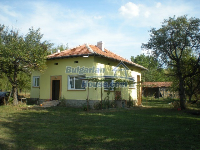 10951:1 - Well presented massive property near a dam lake, Lovech region