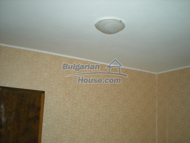 10951:9 - Well presented massive property near a dam lake, Lovech region