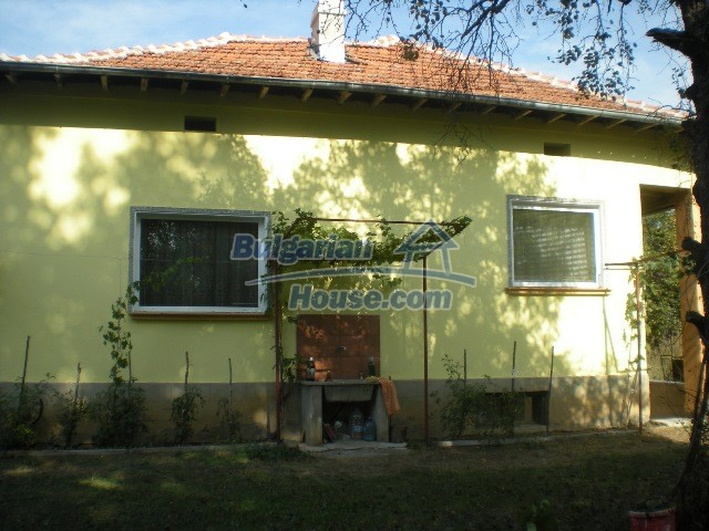 10951:29 - Well presented massive property near a dam lake, Lovech region