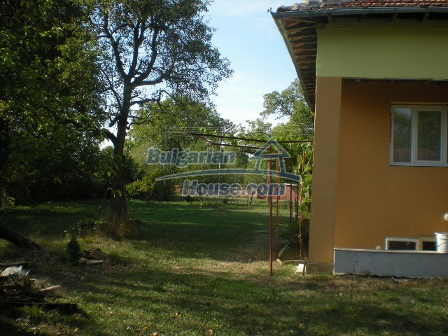10951:32 - Well presented massive property near a dam lake, Lovech region