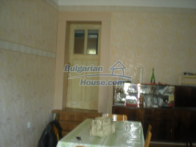 10951:40 - Well presented massive property near a dam lake, Lovech region