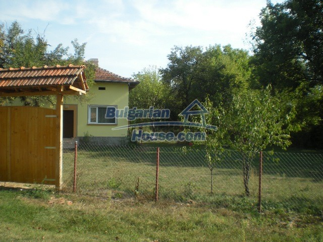10951:36 - Well presented massive property near a dam lake, Lovech region