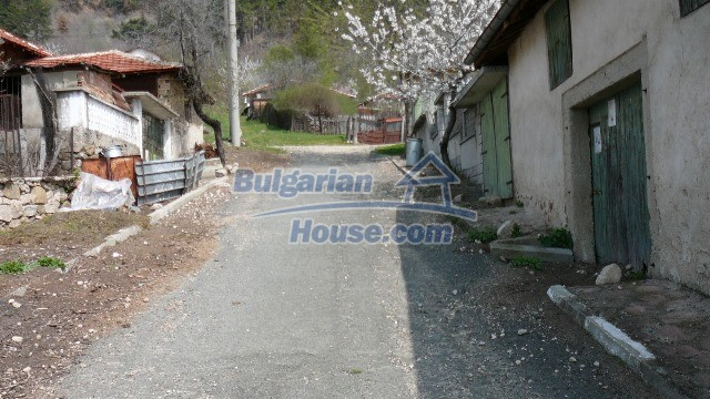 11053:8 - Pretty rural house,near a mountain, lake in Stara Zagora region