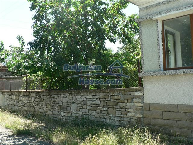 11300:4 - Partly renovated house with a lovely garden near Burgas