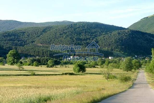 11053:3 - Pretty rural house,near a mountain, lake in Stara Zagora region